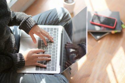 """Os tipos psicológicos e essa vida """"sempre online"""" da quarentena"""