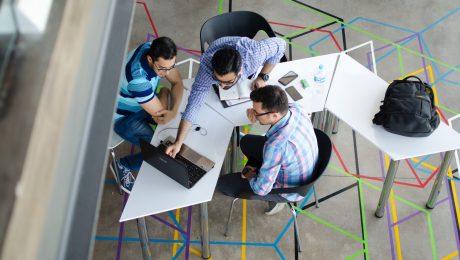 Como o autoconhecimento melhora a tomada de decisão nas empresas?